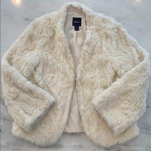Gap Kids Girls Faux Fur White Jacket L 10